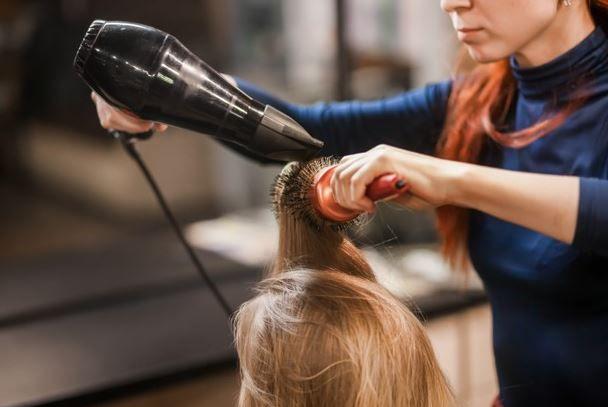 Como consertar secador de cabelo? Aprenda aqui!